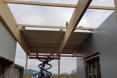 Arbeid med taket på Montèr Hadsel