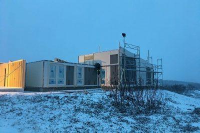 Arbeid med boligen for Joakim Antonsen & Lisa Hansen i snø